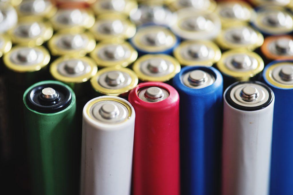 باتری قلمی و نیم قلمی
