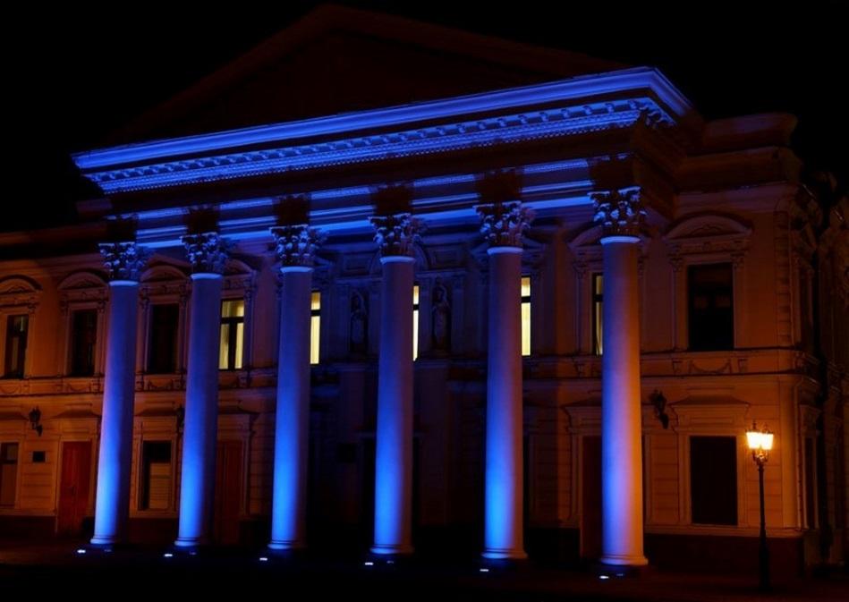 نورپردازی نمای رومی ساختمان