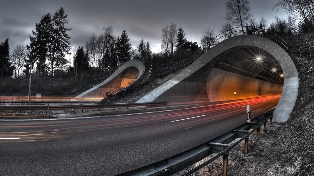 چراغ تونلی چیست و چه کاربردهایی دارد؟