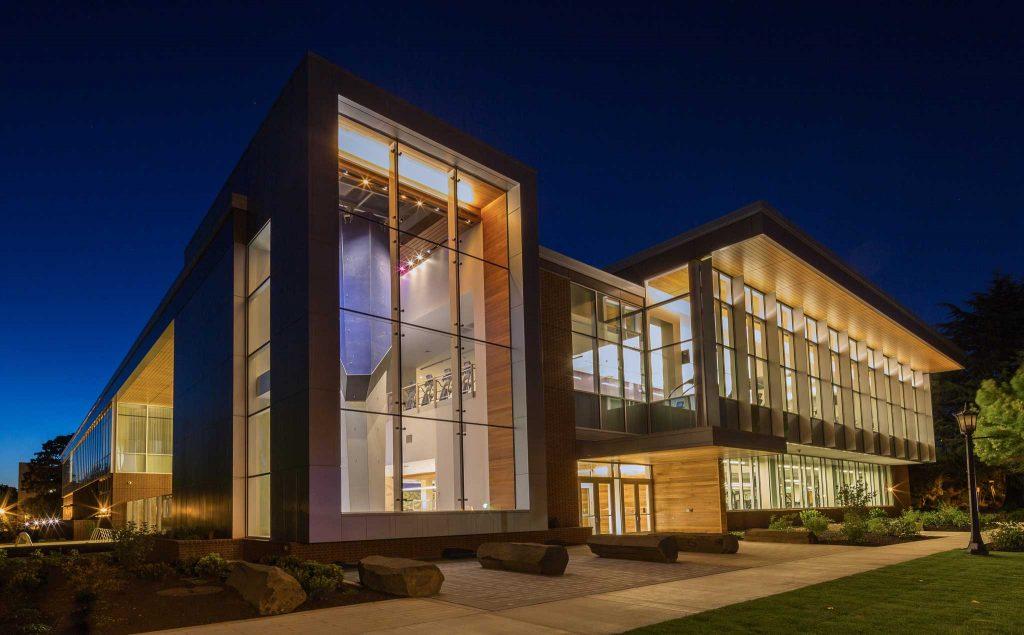 نورپردازی مدرن ساختمان