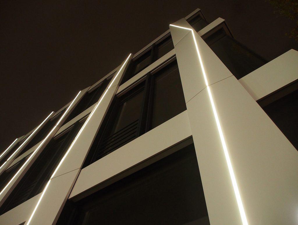 نورپردازی مدرن نمای بیرونی یا خارجی ساختمان