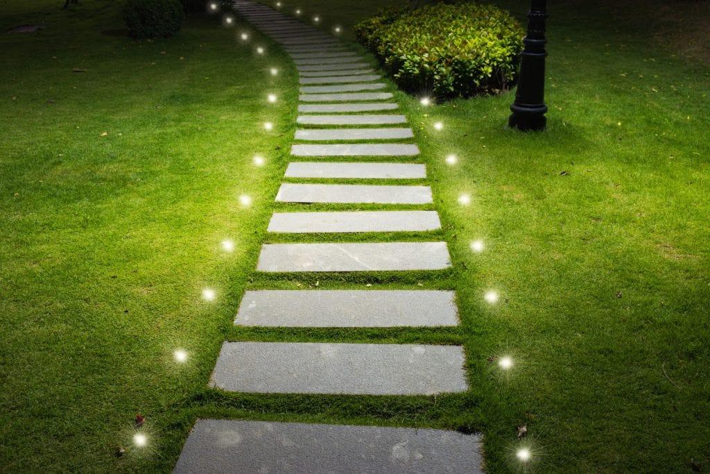 چراغ چمنی دفنی چیست؟